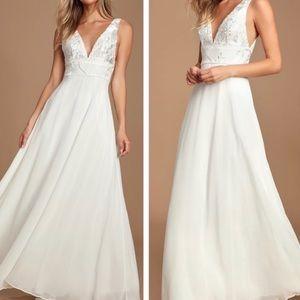Carolyne White Embroidered Wedding Dress